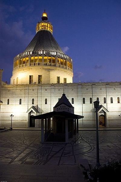 -صور من فلسطين 400px-Basilica_of_the_Annunciation.jpg