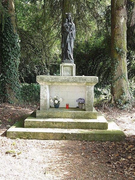 Bazailles (Meurthe-et-M.) statue Madonna et Enfant
