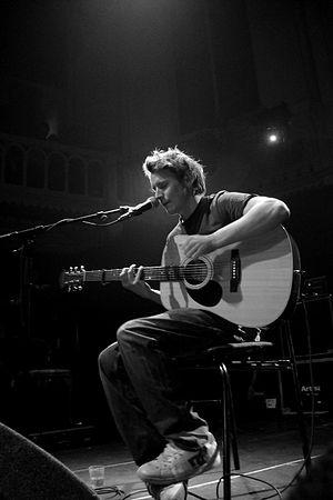 Nederlands: Ben Howard tijdens een optreden in...