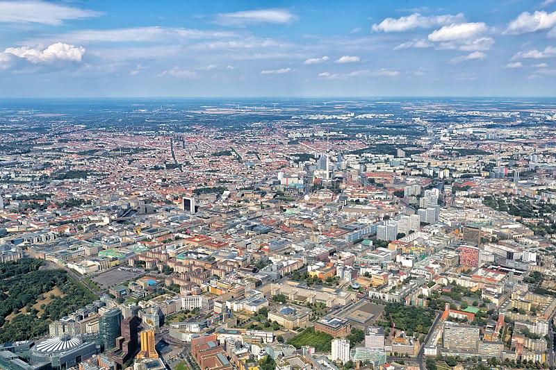Berlin - Aerial view - 2016.jpg
