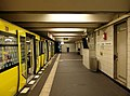 Berlin - U-Bahnhof Theodor-Heuss-Platz (15185064126).jpg