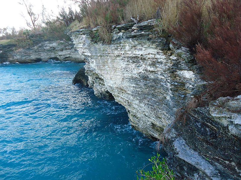 File:Bermuda (UK) image number 276 cliffs seascape.jpg