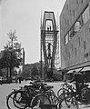Bijenkorfmonument te Rotterdam in de steigers, Bestanddeelnr 909-6257.jpg