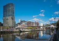 Bilbao - Zubizuri 07.jpg
