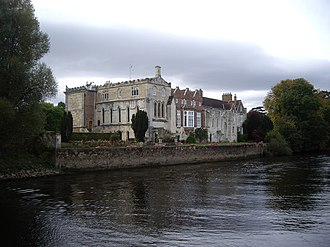 Bishopthorpe Palace - Image: Bishopthorpe Palace by the Ouse geograph.org.uk 1512242