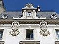 Blasons et horloge de la Caisse d'Épargne de Chambéry (2018).JPG