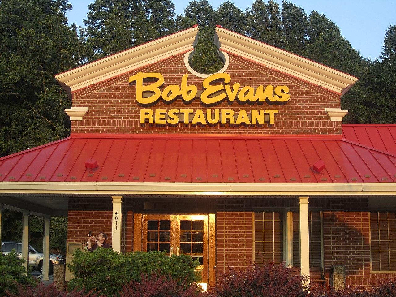 [1280px-Bob_Evans_Restaurant%2C_Lynchburg%2C_VA_IMG_4095]