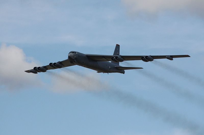 File:Boeing B-52H Stratofortress - Airbourne (4811710642).jpg