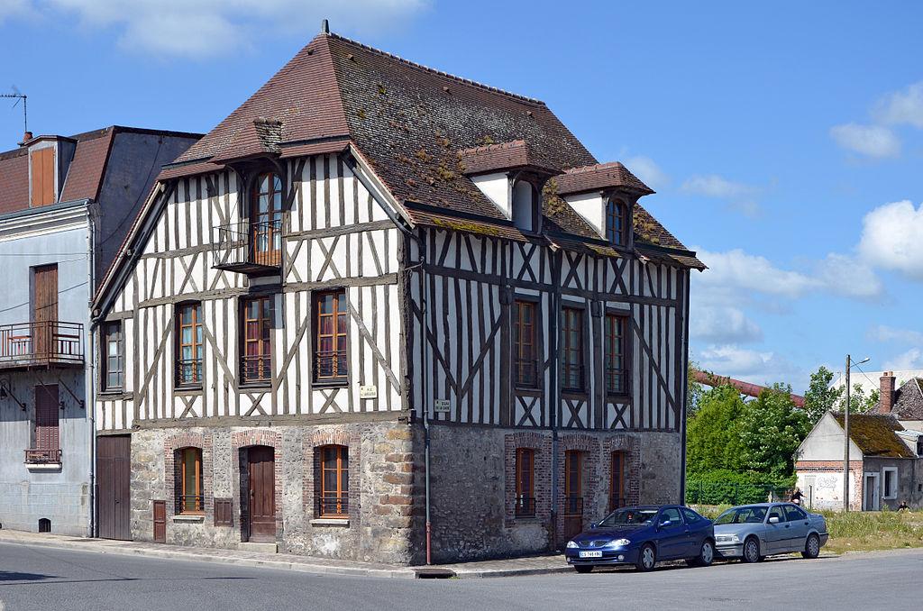 File bray sur seine maison de la rue de l 39 abreuvoir dpt for Bray sur seine piscine