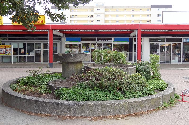 Die Liste der Brunnen in Braunschweig 800px-Brunnen-Erfurtplatz_BS-Img01