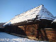 Budynek przysłupowy ze wsi Nozdrzec kBrzozowa 1855 skansen w Sanoku