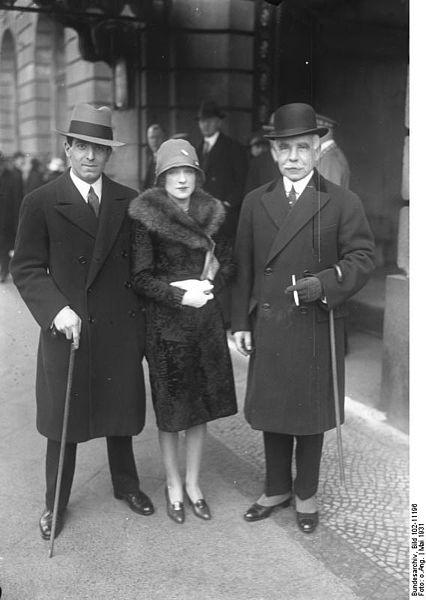 File:Bundesarchiv Bild 102-11196, Otto H. Kahn mit Sohn und Schwiegertochter.jpg