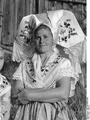 Spreewald - Image: Bundesarchiv Bild 183 09958 2663, Spreewaldbäuerin
