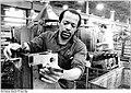 Bundesarchiv Bild 183-1985-0314-004, Wittenberge, kubanischer Gastarbeiter.jpg