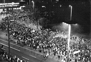 Bundesarchiv Bild 183-1989-1023-022, Leipzig, Montagsdemonstration.jpg
