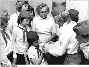 German students in first aid class, 1980
