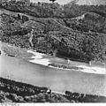 Bundesarchiv Bild 195-1952, Rheinbefliegung, Ottenheim - Leopoldskanal.jpg