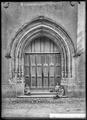 CH-NB - Coppet, Église, Portail, vue d'ensemble - Collection Max van Berchem - EAD-8741.tif