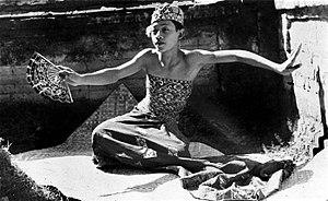 Kebyar duduk - Image: COLLECTIE TROPENMUSEUM De beroemde Balinese danser I Mario T Mnr 10004713