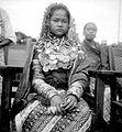 COLLECTIE TROPENMUSEUM Een jonge Gayo bruid Noord-Sumatra TMnr 10002974.jpg