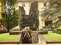 Cadelbosco di Sopra Monumento alla Resistenza.JPG