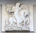 Caen hôtel Malherbe bas-relief Guillaume le Conquérant.JPG