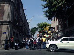 Calle de la Ciudad de México cerrado por la grabación de Spectre.jpg
