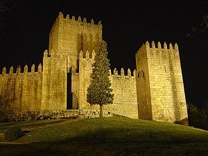 Historic Centre of Guimarães - Image: Castelo de Guimarães (Portugal)
