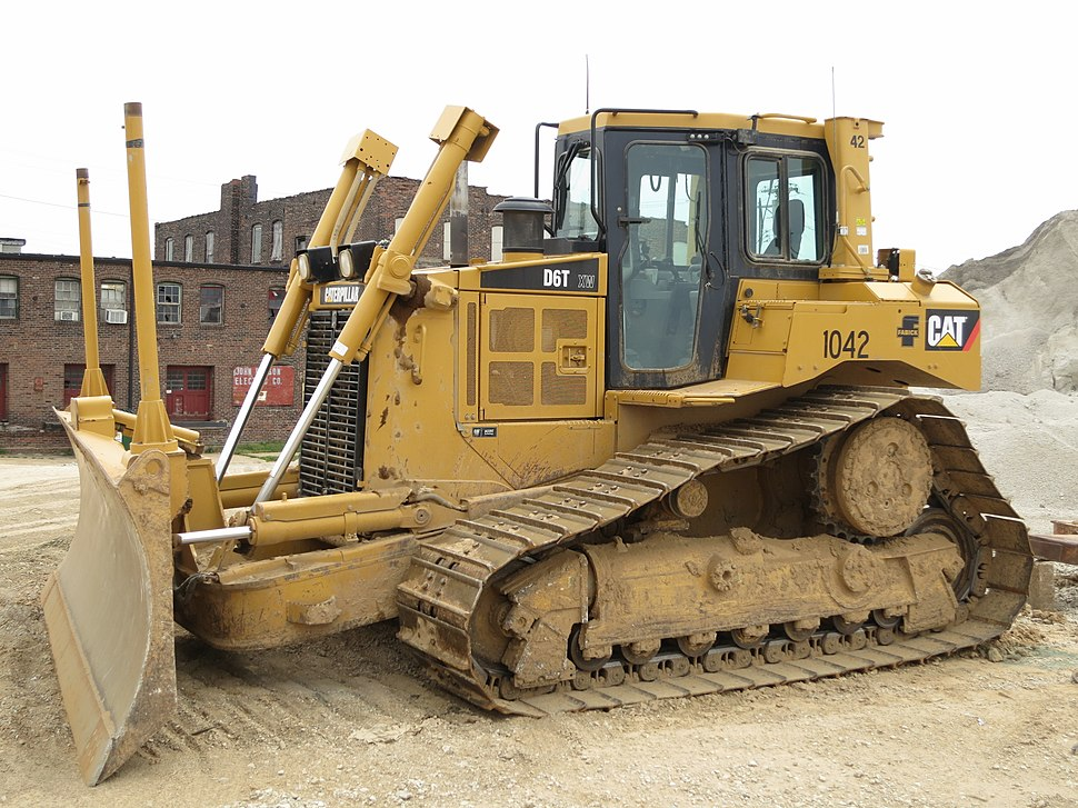 Caterpillar D6T Mississippi River project