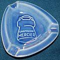 Cendrier Champagne Mercier bleu.JPG