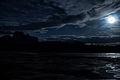Cerro Autana (Kuaimayojo) bajo la luna llena (14129004687).jpg