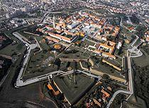 Cetatea Alba Iulia din aer toamna.jpg