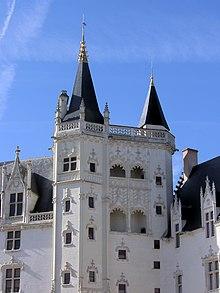 Château des ducs de Bretagne - loggia.jpg