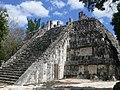 Chichén Itzá - Templo de las Grandes Mesas 1.jpg