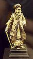 Chinese male figurine c.1700 (M.A.N. Madrid) 01.jpg