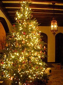 Upside Down Christmas Tree Decorating Ideas.Centsible Savings Christmas Tree Decorating Upside Down