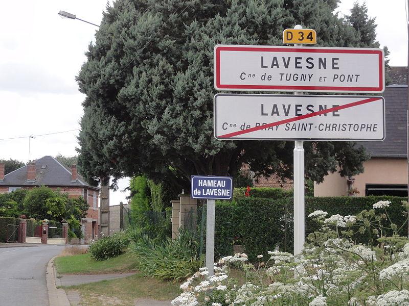 City limit sign Lavesne (2 municipalities)