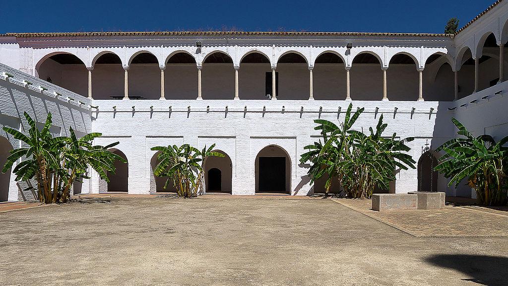 Iglesia del Convento de Santa Clara.  Claustro de las Madres