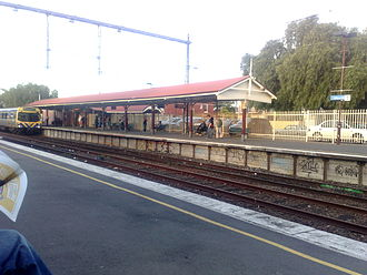 Clifton Hill railway station - Northbound from Platform 2 in October 2008