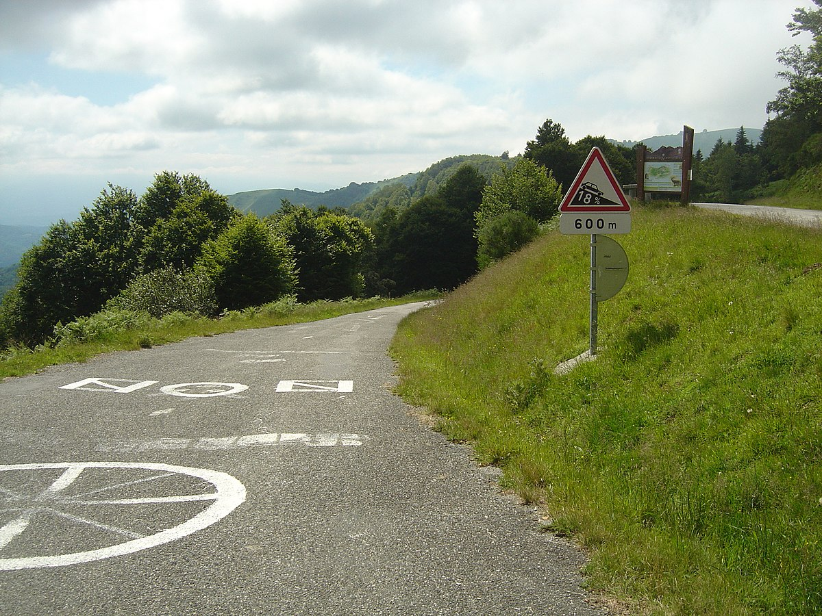 Col de Portel 09- announcement of a vertiginous descent.jpg