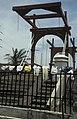 Collectie NMvWereldculturen, TM-20023580, Dia, 'Te drogen gehangen wasgoed bij de Hollandse ophaalbrug over de Kali Besar', fotograaf Jaap de Jonge, 02-1993 - 03-1993.jpg
