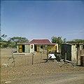 Collectie Nationaal Museum van Wereldculturen TM-20029791 Kunukuhuis bij Sint Michiel Curacao Boy Lawson (Fotograaf).jpg