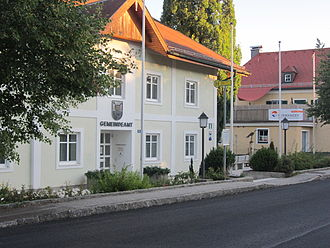 Perwang am Grabensee - Town hall