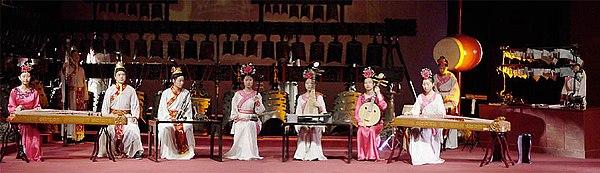 Een concert met replica's van traditionele Chinese instrumenten in Hubei Provincial Museum