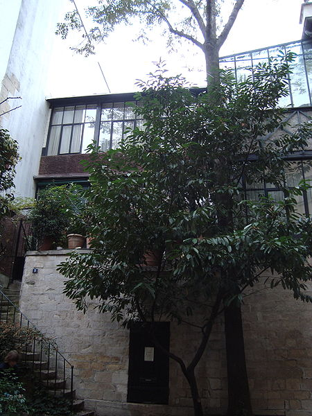 File:Cour de Rohan - Atelier Balthus.JPG