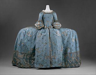 Mantua (clothing) - 1750s court mantua showing the stylized back drapery. (MET)
