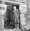 Dame Flora MacLeod of MacLeod op Dunvegan Castle, een kasteel dat toebehoort aan, Bestanddeelnr 252-0170.jpg