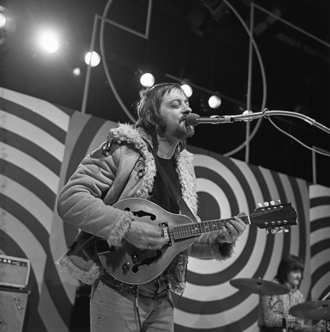 Dave Swarbrick - Swarbrick as a member of Fairport Convention, appearing on the Dutch television show TopPop in 1972