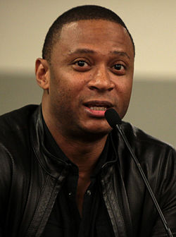 https://upload.wikimedia.org/wikipedia/commons/thumb/8/88/David_Ramsey_2014_%28cropped%29.jpg/250px-David_Ramsey_2014_%28cropped%29.jpg