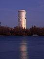 Der Florido-Tower im Dämmerlicht.jpg